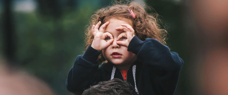 La garde d'enfants : quels avantages et inconvénients ?