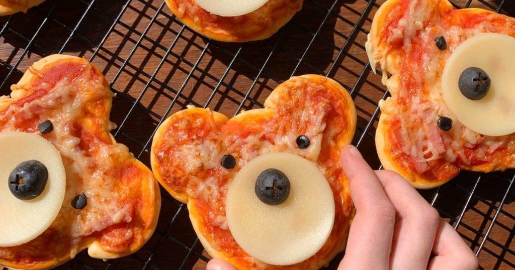 mini pizza sous forme d'oursons