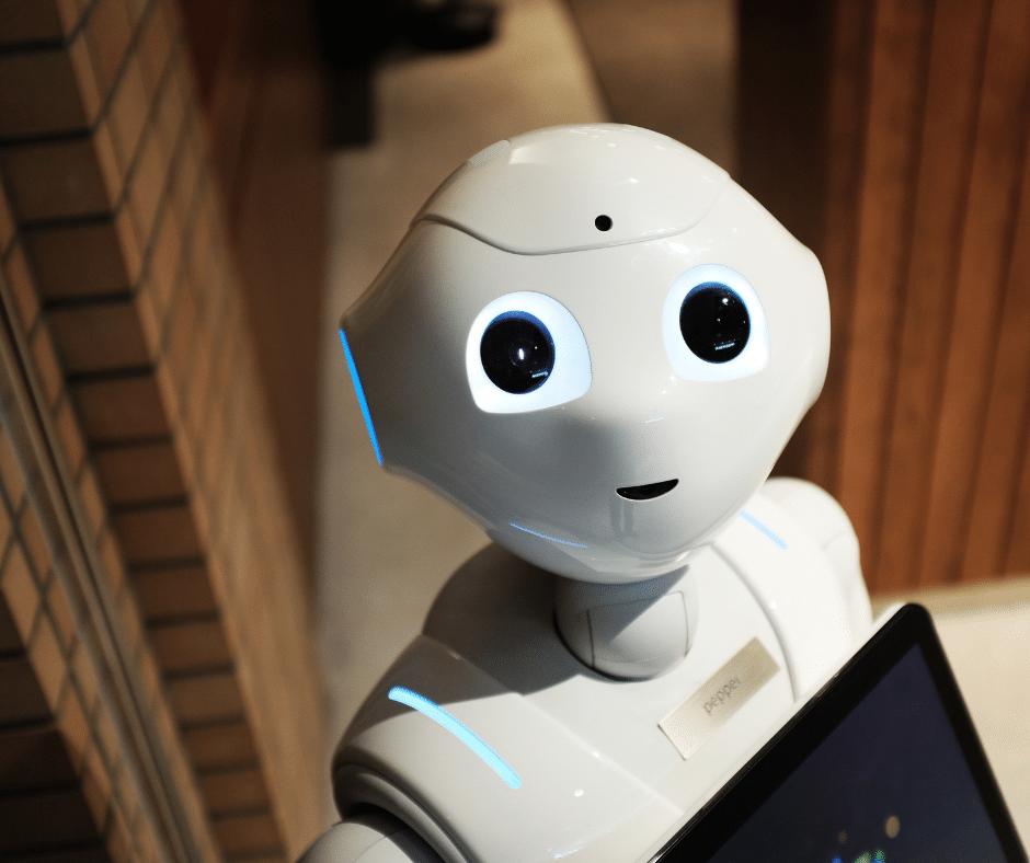 culture et confinement : la photo d'un robot intelligent