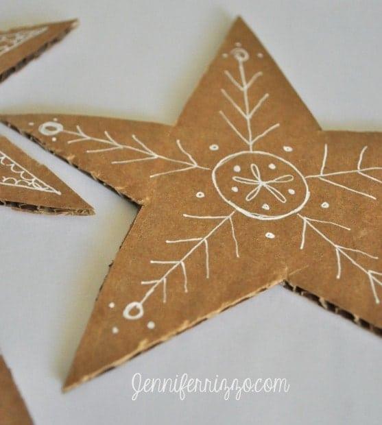 des étoiles en carton