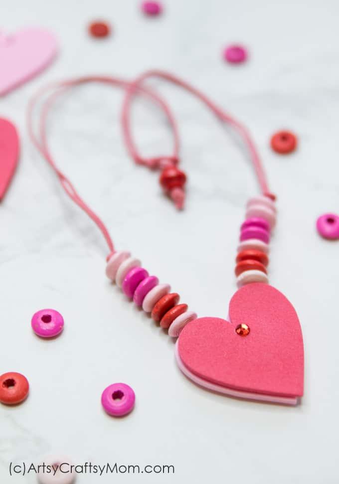 Collier coeur: DIY saint valentin à faire avec les enfants
