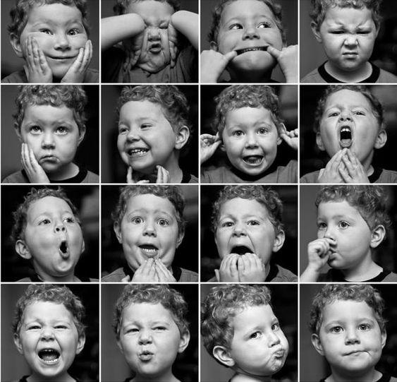 Théâtre enfants : jeu des expressions, photo d'enfants avec différentes expressions faciales