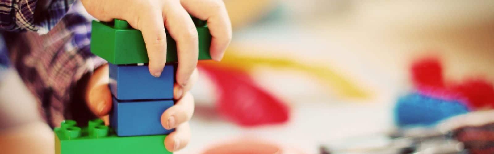 Motricité fine : 6 activités et ateliers pour la développer chez le jeune enfant