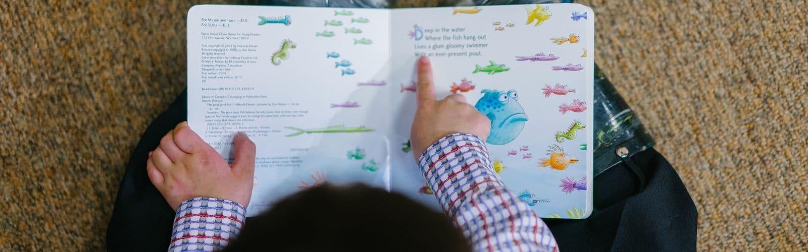 Pourquoi faut-il raconter des histoires aux enfants ?