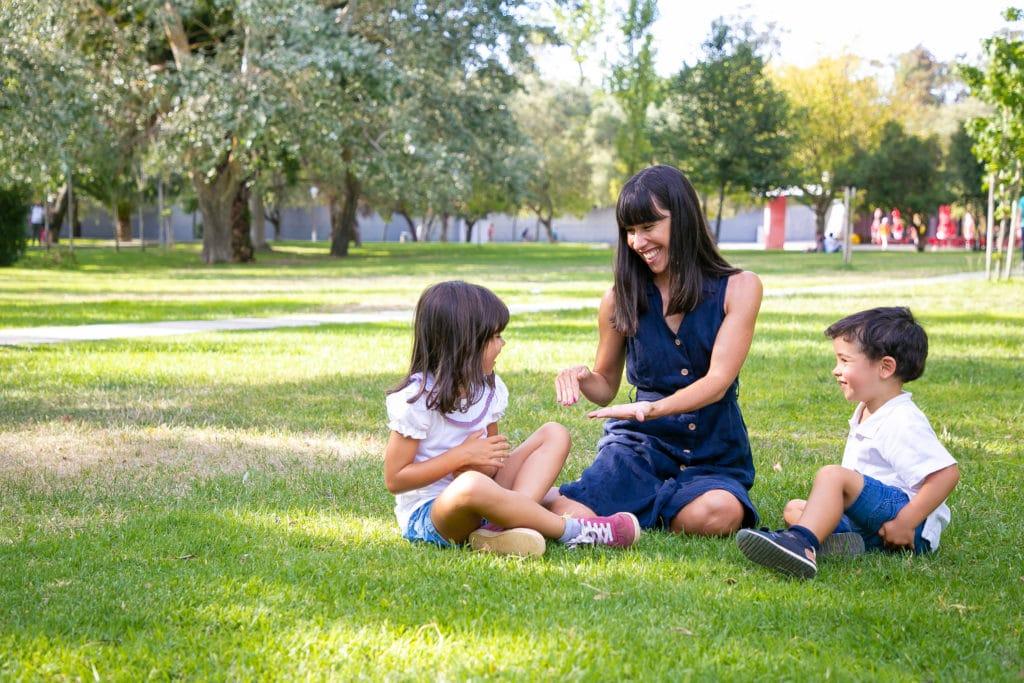 Emmener les enfants au parcs durant le baby sitting