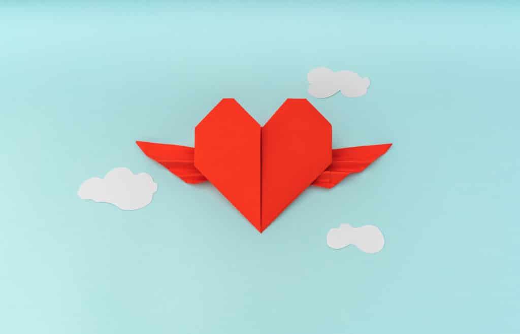 Origami et les enfants : Un cœur en origami