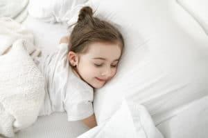 rituel du coucher : une fille en train de dormir