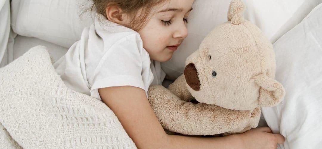 Sieste enfant :  combien de temps l'enfant doit-il dormir ?