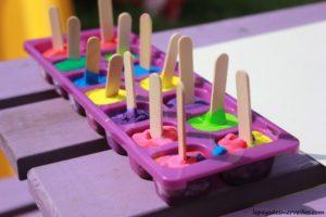 Jeux d'été : glaçons colorés