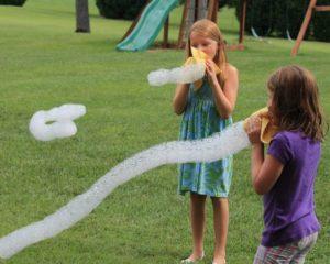 Jeux d'été : le serpent à bulles