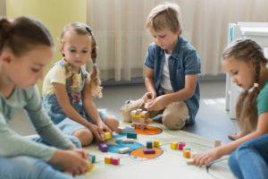 Rentrée scolaire : des enfants qui jouent