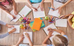 Rentrée scolaire : des enfants qui dessinent